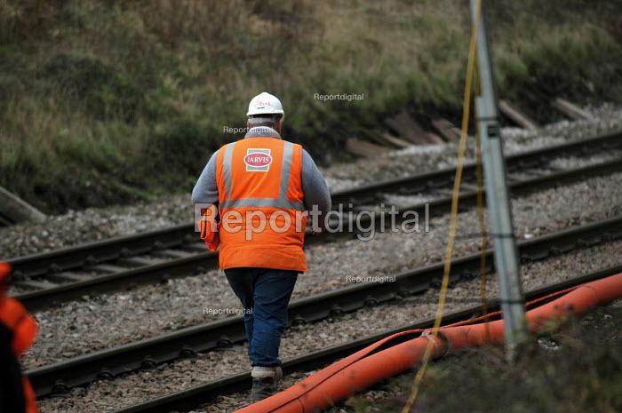 Railway engineer supervisor working on railway lines near bristol. Jarvis contractor. - Paul Box - 2004-03-12