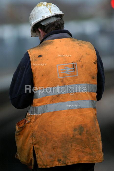 Workers replacing railway lines - Paul Box - 2004-03-20