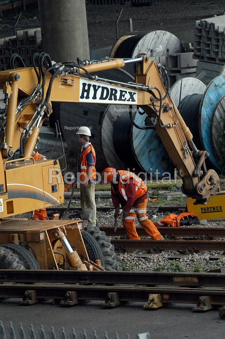 Rail workers working on railway lines. - Paul Box - 2004-03-20