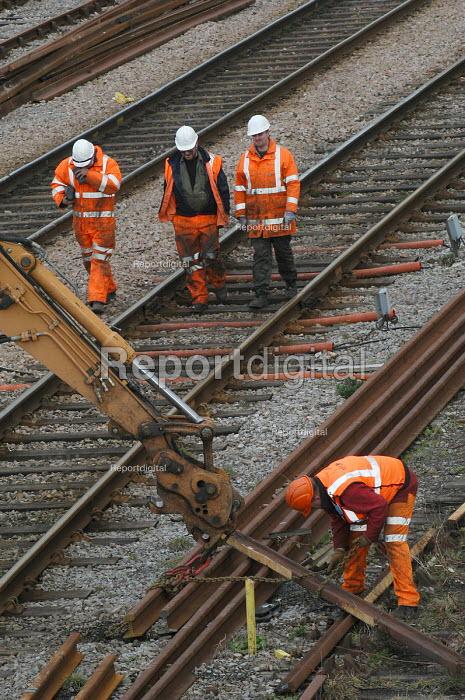 Rail workers working on railway lines in Weston Super Mare - Paul Box - 2004-03-20