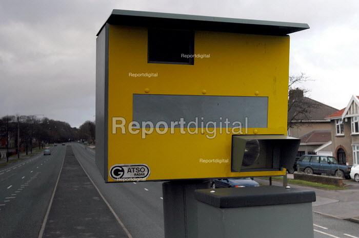 A safety camera in Bristol - Paul Box - 2004-03-20