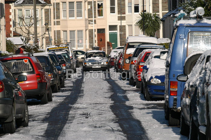 Snow and cars in street in the morning, Bristol - Paul Box - 2004-02-10