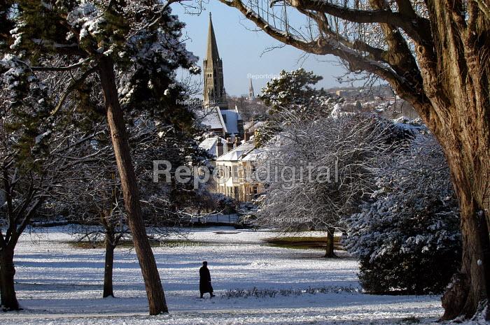 Snow scene of St Andrews park , Bristol - Paul Box - 2004-02-10