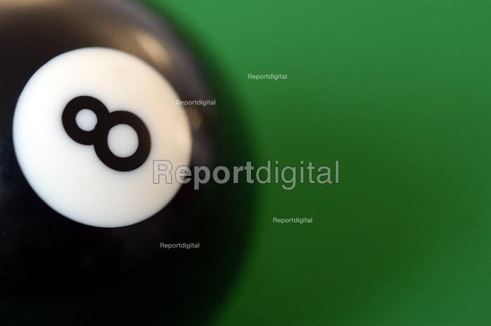 Pool ball - Paul Box - 2004-03-20