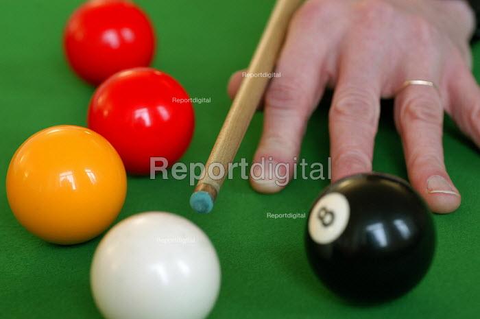 A game of pool - Paul Box - 2004-03-20