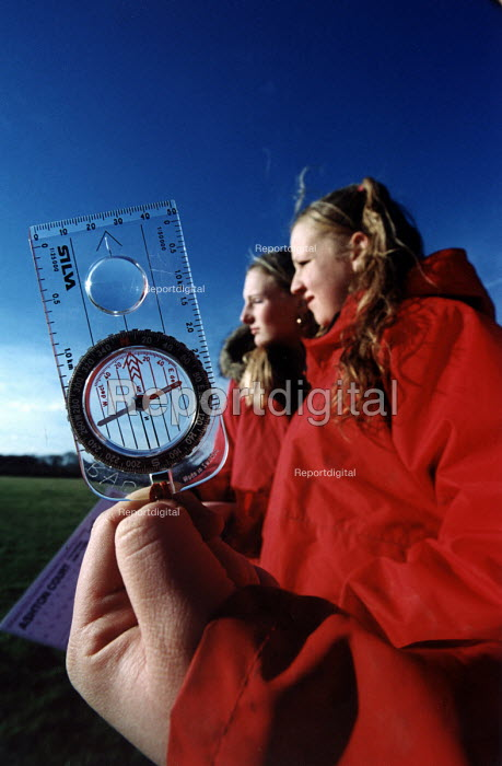 Connexions organised orienteering day for school leavers , Bristol - Paul Box - 2004-02-19