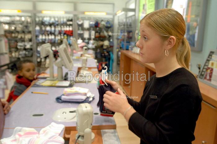 Next store worker. - Paul Box - 2004-01-02