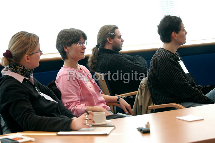 Mature students from Germany visit the Learning Skills Partnership Bristol - Paul Box - 2004-02-04