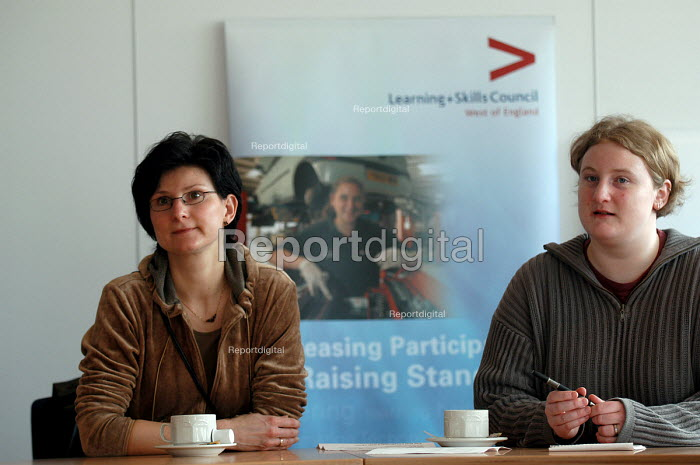 Mature students from Germany visit the Learning Skills Partnership Bristol - Paul Box - 2004-02-04