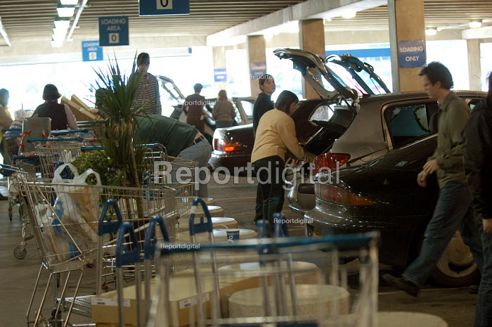 Ikea home furnishing store, loading area. Customers load their vehicles with flat pack items. - Paul Box - 2004-05-05
