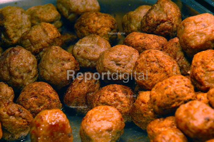 Ikea home furnishing store, Swedish meatballs at the food counter. - Paul Box - 2004-05-05