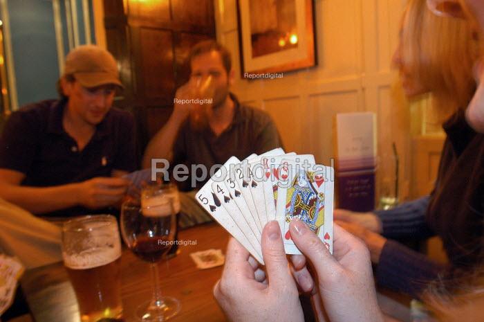 Pub goers play card games , Bristol   quiz - Paul Box - 2003-11-01