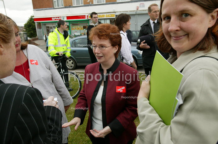 Hazel Blears MP Minister of State at the Home Office visits Lockleaze talking to local residents in Bristol. ASBO 's anti social behaviour orders have been issued in the area. - Paul Box - 2004-06-30