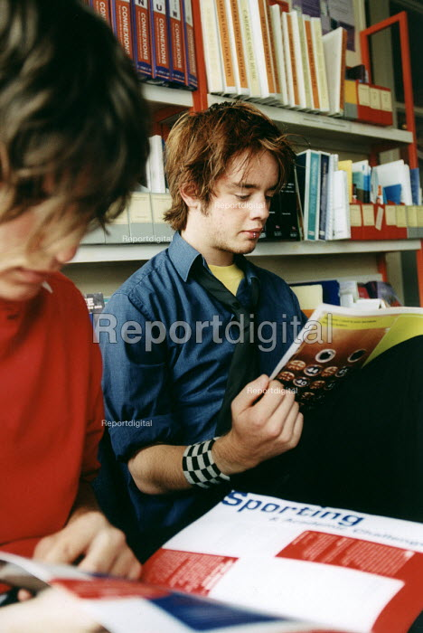 Marlwood school, Olveston nr Bristol, sixth form pupils in the careers library. - Paul Box - 2004-06-15