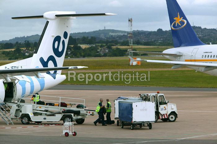 Exeter airport, ground staff and baggage handlers at work. - Paul Box - 2004-06-10