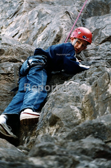 Connexions take teenagers on an activity day, climbing in the Mendip Hills - Paul Box - 2004-07-02