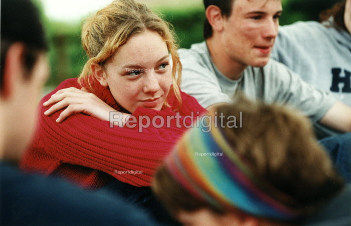 Teenagers at a youth centre in south Bath. - Paul Box - 2004-08-02