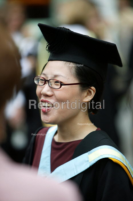 A Japanese student at a graduation ceremony, Bath. - Paul Box - 2004-07-01