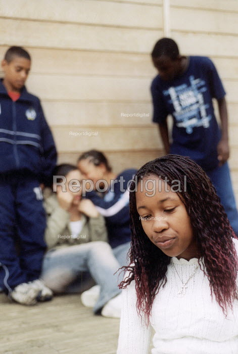 Teenage girl and friends, Bristol. - Paul Box - 2004-07-12