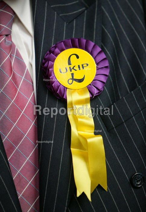 Rosette UKIP conference. The Colston Hall, Bristol. - Paul Box - 2004-10-02