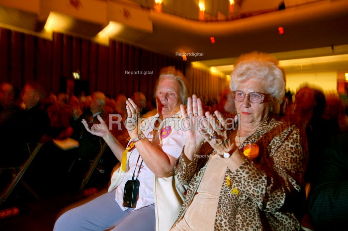 The audience applauds, UKIP conference. The Colston Hall, Bristol. - Paul Box - 2004-10-02