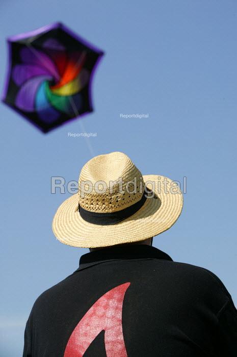 International kite festival, Bristol. - Paul Box - 2004-09-05