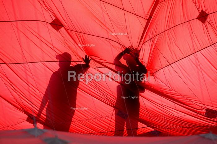 International kite festival, Bristol. Inside the worlds largest kite. - Paul Box - 2004-09-05