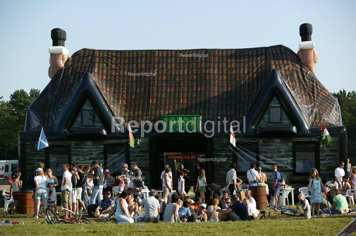 International kite festival, Bristol . The worlds only infatable pub. - Paul Box - 2004-09-05