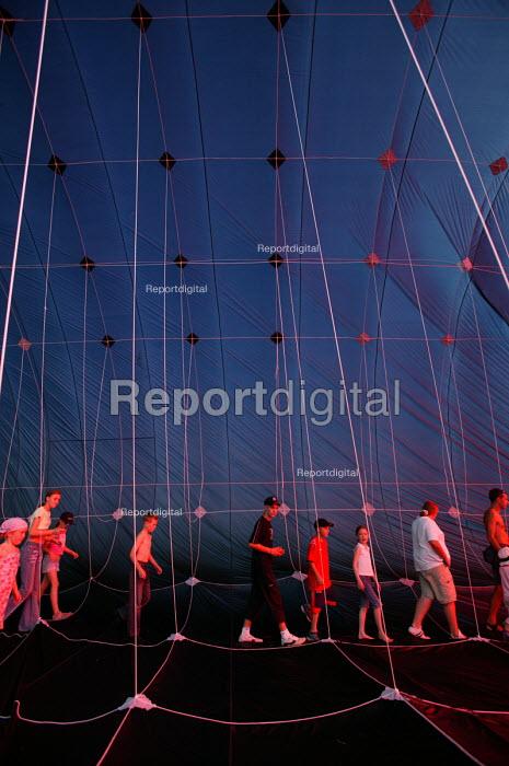 International kite festival, Bristol . Inside the worlds largest kite. - Paul Box - 2004-09-05