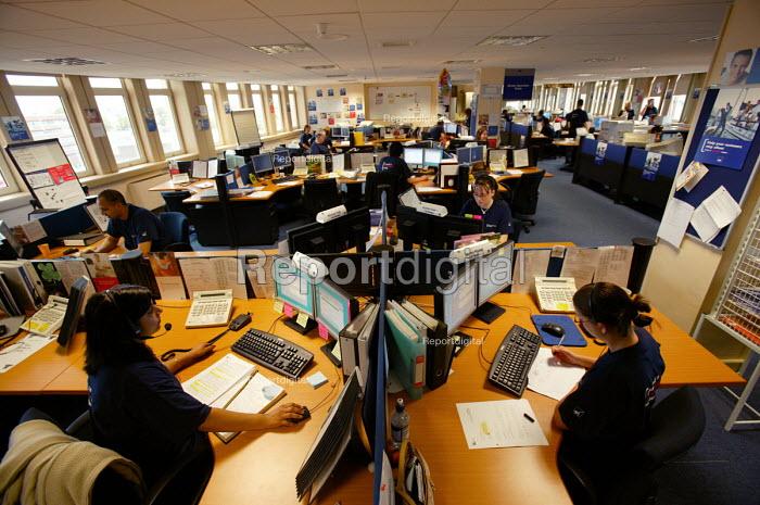 Axa Sunlife call centre, Coventry. - Paul Box - 2004-06-02