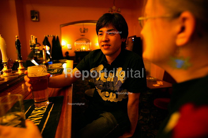 A student drinking in his local pub, Bristol. - Paul Box - 2004-06-02
