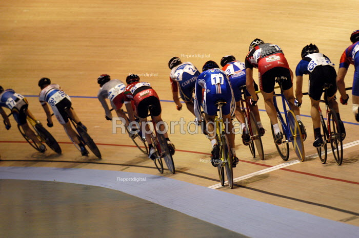 Opening event of Newport Velodrome , South Wales. - Paul Box - 2003-11-14