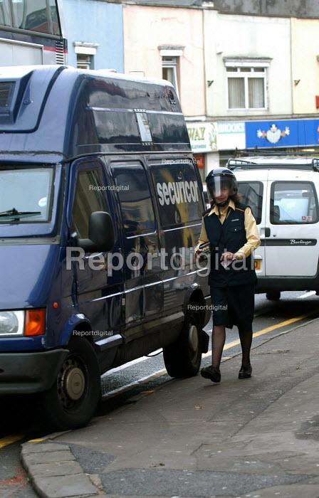 Securicor employee, Bristol. - Paul Box - 2004-08-02