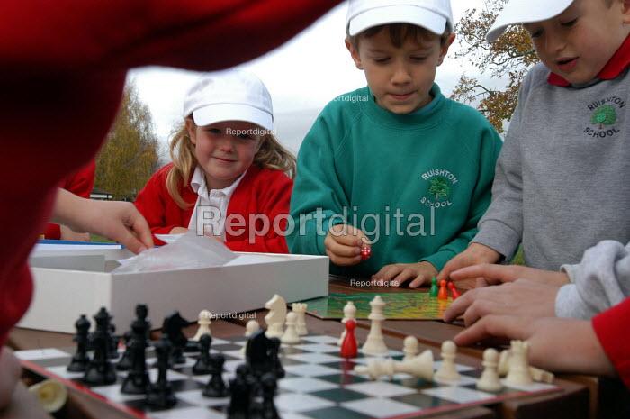 Pupils playing chess at school, Bristol. - Paul Box - 2004-08-02