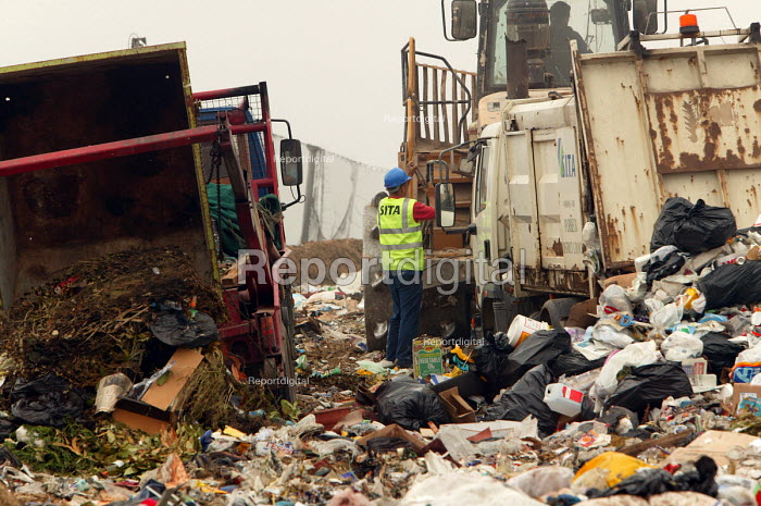Landfill site, Dorset - Paul Box - 2004-08-02