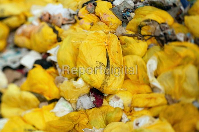 Clinical waste, Landfill site, Dorset. - Paul Box - 2004-08-02