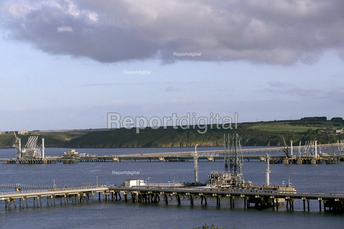The oil pipelines in Milford Haven carrying oil from the Texaco oil refinery, Rhoscrowther, Pembroke Dock. Pembrokeshire. - Paul Box - 2004-08-02