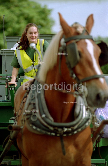 Curbside recycling carried out by Resorce Saver with horse and cart, Keynsham, Bristol. - Paul Box - 2003-07-30