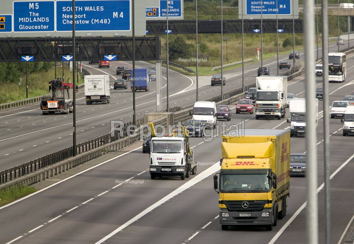 DHL parcel delivery lorry, M4 motorway, Bristol. - Paul Box, PB708034.jpg