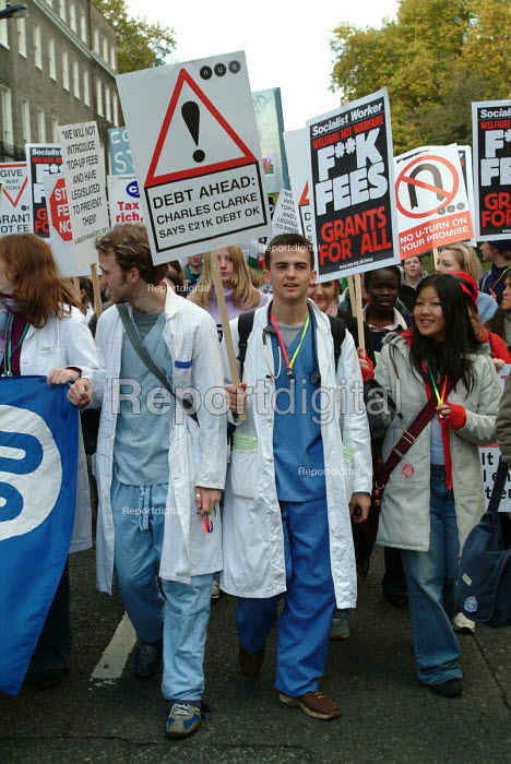 Medical students on NUS demonstration against tuition fees; London, 26/10/2003. - Philip Wolmuth - 2003-10-26