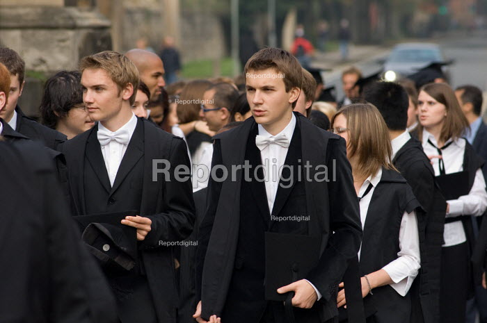 First year students at Oxford arrive at the Sheldonian... - Philip Wolmuth, pw061022.jpg