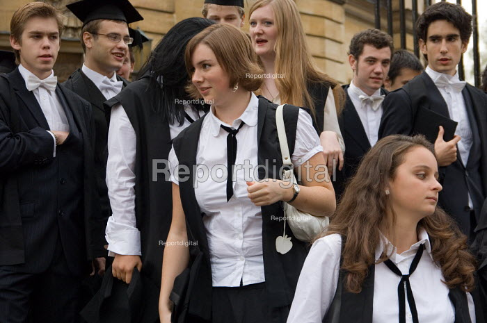 First year students at Oxford arrive at the Sheldonian Theatre for matriculation, the ceremony which marks their formal induction into the university. - Philip Wolmuth - 2006-10-14