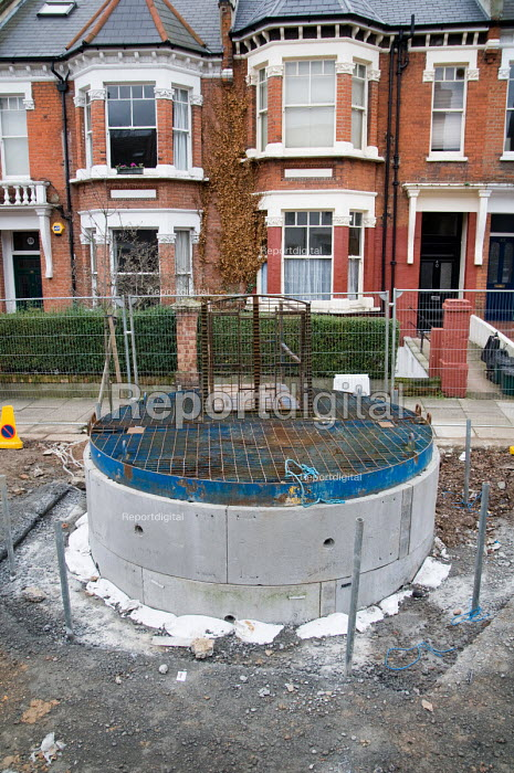 Thames Water improvement works to the London sewerage system, closed road, West Hampstead. - Philip Wolmuth - 2007-12-31