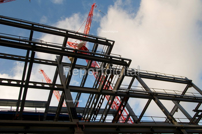 Steelwork and cranes on the site of a new office... - Philip Wolmuth, pw080131.jpg