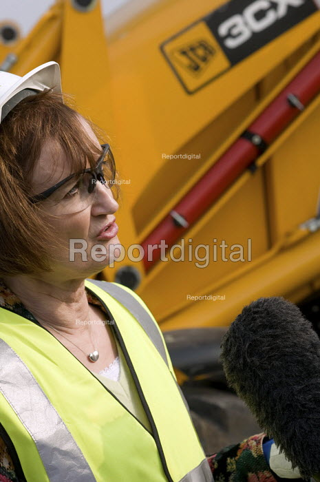 Olympic Minister Tessa Jowell at the launch of the Plant... - Philip Wolmuth, pw080225.jpg