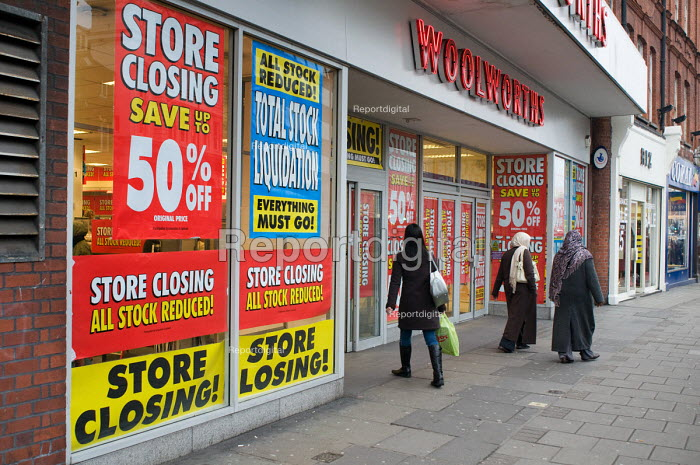 Store Closing and Total Stock Liquidation signs in the... - Philip Wolmuth, pw081219.jpg