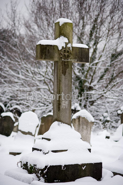 Snow on memorials and gravestones in Hampstead cemetery... - Philip Wolmuth, pw090218.jpg