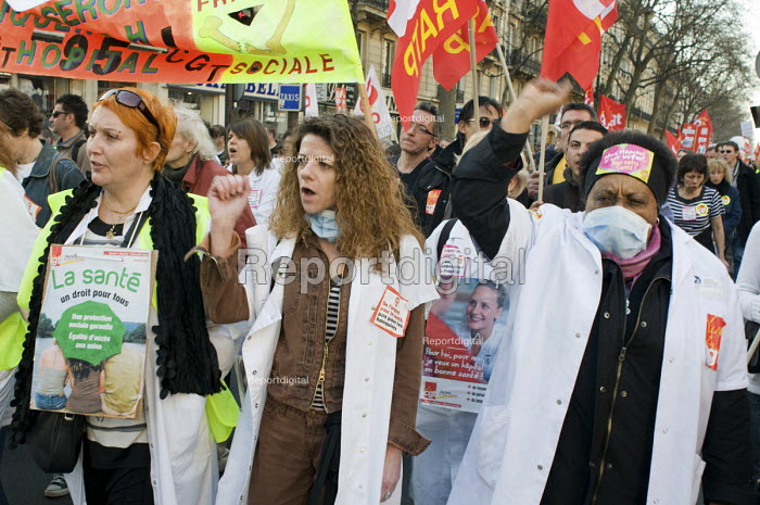 Health workers march in Paris, joining up to 3 million... - Philip Wolmuth, pw0909047.jpg