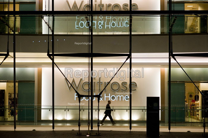 Late night opening at a Waitrose store in Canary Wharf... - Philip Wolmuth, pw091038.jpg