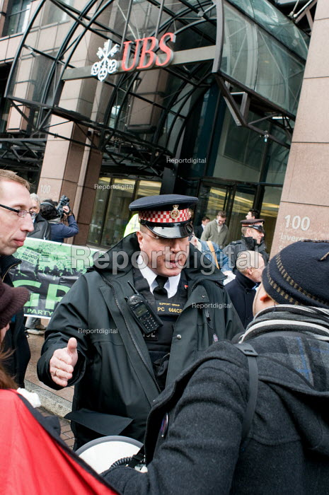 A City of London police constable asks Alberto Durango, a... - Philip Wolmuth, pw100201.jpg